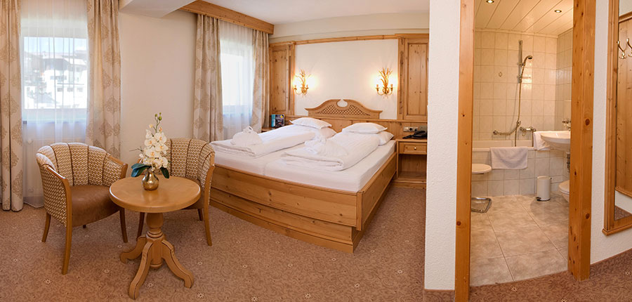 Hotel Jenewein, Obergurgl, Austria - twin bedroom.jpg